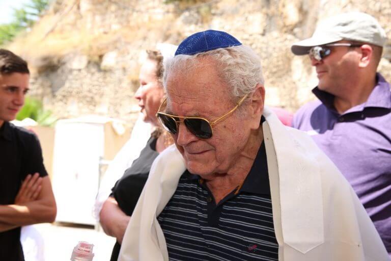 גיבור השואה יעקב בורשטיין